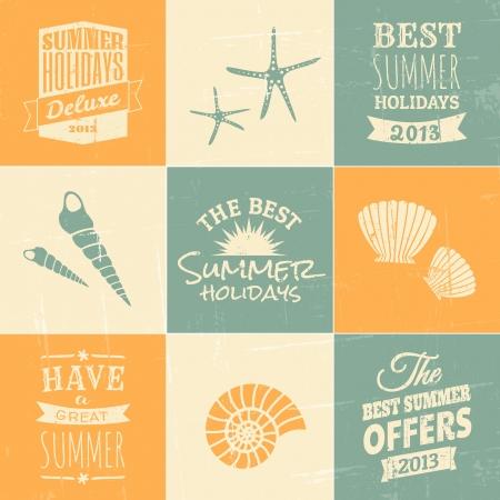 reizen: Een set van de zomer typografische ontwerpen en iconen in blauw, beige en geel.