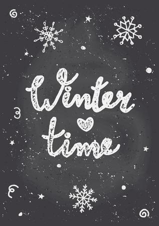 """Tafel-Stil Weihnachts-Grußkarte Vorlage mit Schneeflocken und Text """"Winterzeit""""."""
