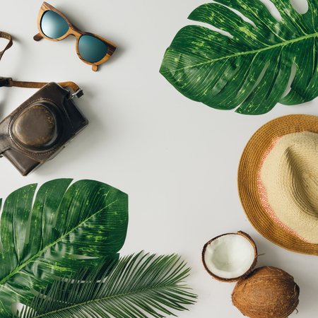 Creative  tropical summer travel layout. Flat lay.  Vacation concept. Imagens
