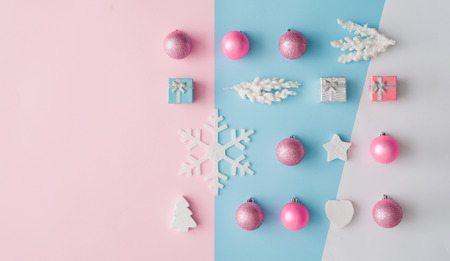 Minimal composition background of pastel pink and blue Christmas decoration. New Year concept. Foto de archivo - 112086365