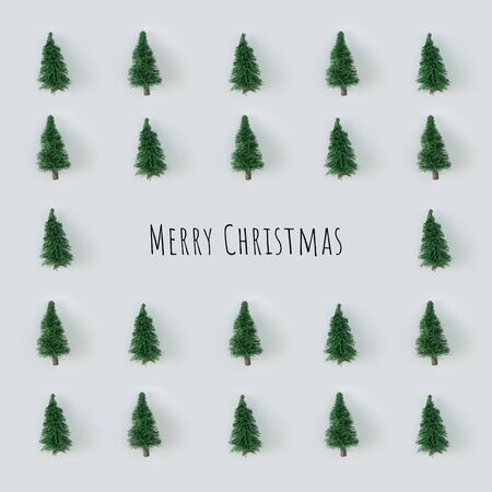 Creative Christmas tree pattern with bright background. Minimal winter flat lay holiday concept. Merry Christmas Standard-Bild - 135485118