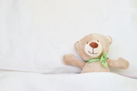 oso de peluche lindo. Foto de archivo