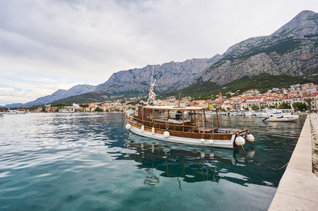 Port in Makarska. Photo taken in city Makarska, Croatia , July 02, 2017. 新聞圖片