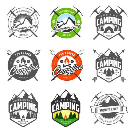 camp de vacances: Jeu d'�tiquettes de camping vintage et insignes