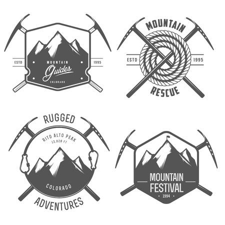 Set van vintage berg ontdekkingsreiziger etiketten en insignes Stock Illustratie