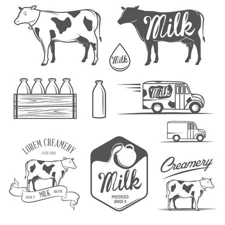 우유와 치즈 제조소 라벨, 엠블럼 및 디자인 요소의 집합