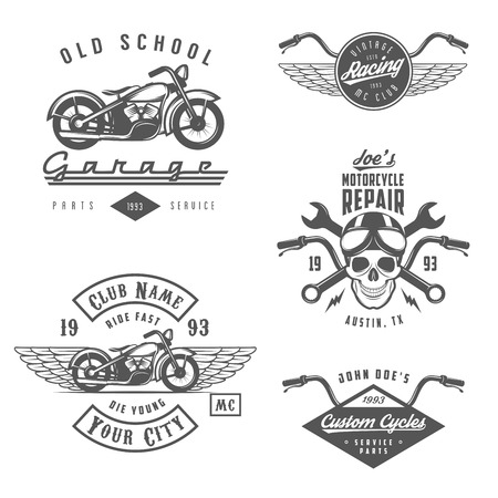 casco de moto: Conjunto de etiquetas de la motocicleta del vintage, escudos y elementos de dise�o