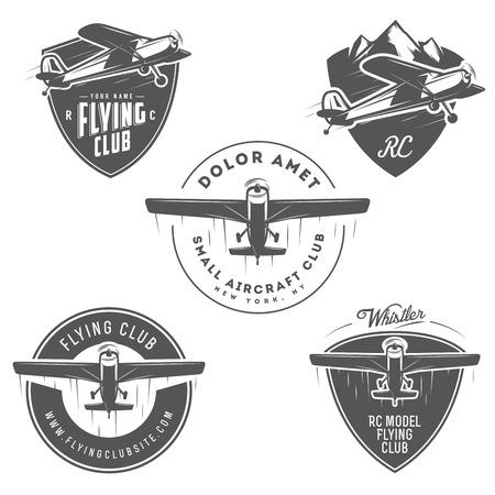 piloto de avion: Emblemas de luz y RC avi�n relacionados, etiquetas y elementos de dise�o Vectores