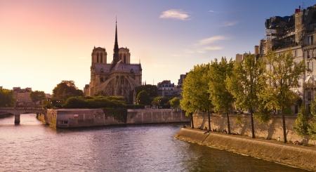 Cattedrale di Notre Dame e la Senna a Parigi Archivio Fotografico