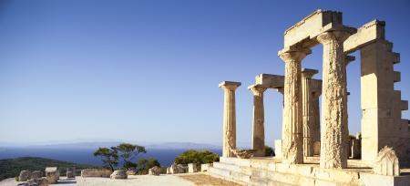 templo griego: Templo griego en la isla de Egina