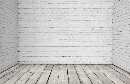 Alte weiße Mauer und Holzboden.
