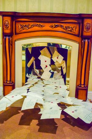 bros: USA, CA, Los Angeles, Hollywood, 11 Janua 2015: Photo of Warner Bros inside views. Studio Tour Hollywood, VIP  TOUR. Harry Potter, Harry costume cloak,  broom, spider,  book, car, Harry Potter Castle