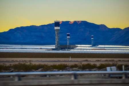 solar thermal: Los Angeles, CA, USA . January 11, 2016:  solar panels Southern Nevada Mojave Desert, Solar Thermal Tower near the Las Vegas