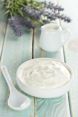 cream: Sour cream