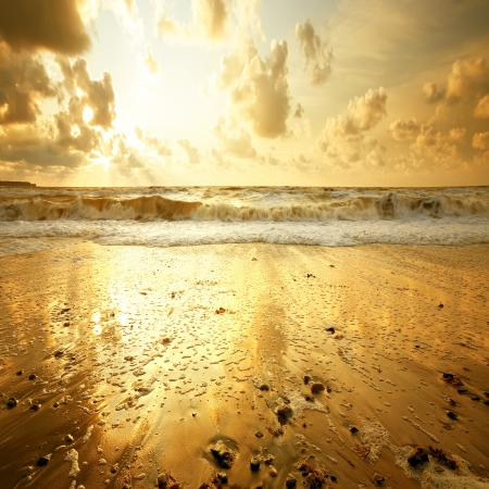 Sandy beach at sunset Imagens - 16153903