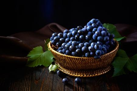 purple red grapes: Grape