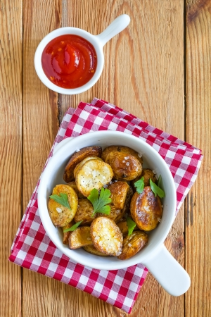 wedges: Fried potatoes