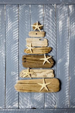 retro frame: Christmas tree