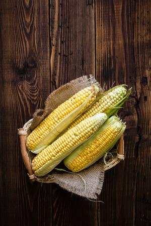 Fresh corn cobs Imagens