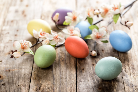 table decoration: easter eggs