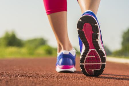 スポーツの靴を実行しているクローズ アップ 写真素材