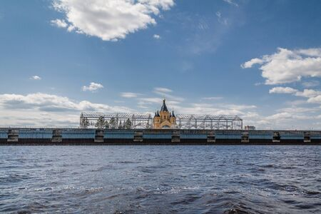 Alexander Nevsky Cathedral and warehouses by architect Shukhov in Nizhny Novgorod, Russia. View from Volga river 스톡 콘텐츠