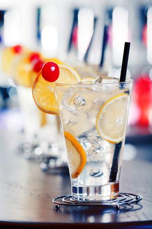 tom': Tom Collins cocktail