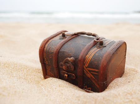 cofre tesoro: Tesoro en la arena