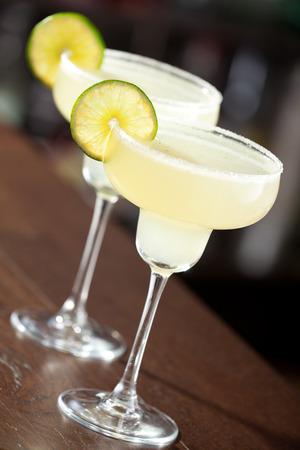 background red: La margarita es un c�ctel compuesto por el tequila mezclado.