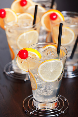 Tom Collins is a Collins cocktail made from gin, lemon juice, sugar and carbonated water.