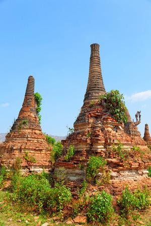 stupas: Stupas in Sagar - 108 stupas from the 16-17 th centuries, near Lake Inle, Myanmar Stock Photo