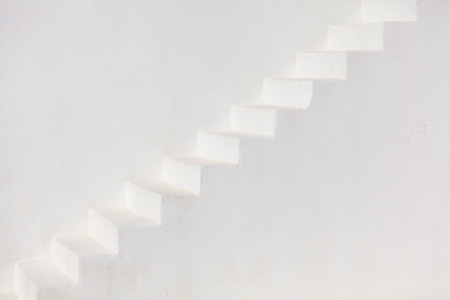 White stairs on a church wall in Oia, Santorini Banque d'images