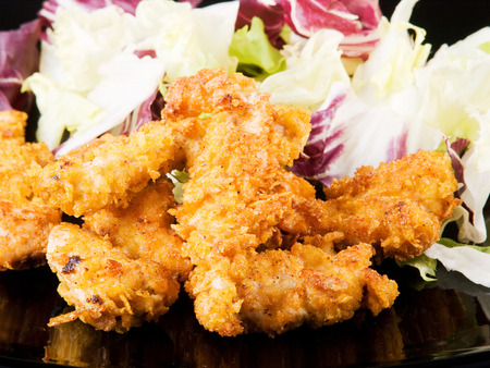 crispy: Crispy fried chicken with cornflakes and salad