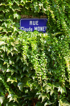 monet: Street sign Rue Claude Monet in Giverny, Claude Monets home town
