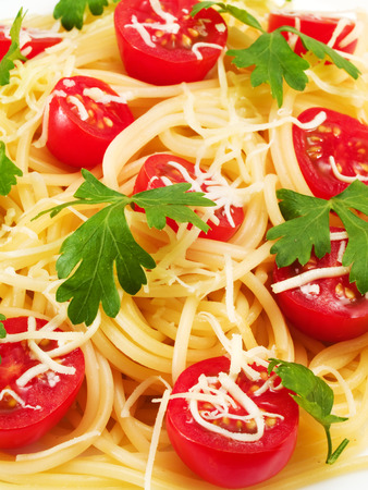 fullframe: Spaghetti with cherry tomatos, close up