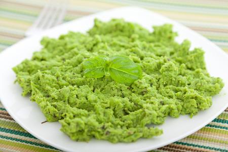 pureed: Green pea puree