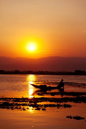 inle: Sunset at Inle Lake myanmar Stock Photo