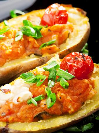 tomatos: Stuffed potatos with tomatos