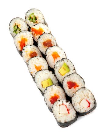 maki sushi: Maki sushi isol� sur fond blanc