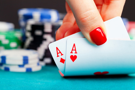 Two aces and gambling chips Archivio Fotografico