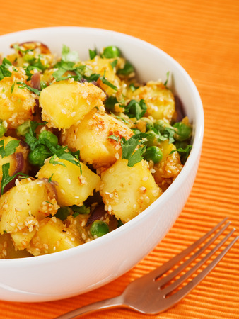 кинза: Potatos with sesame and cilantro