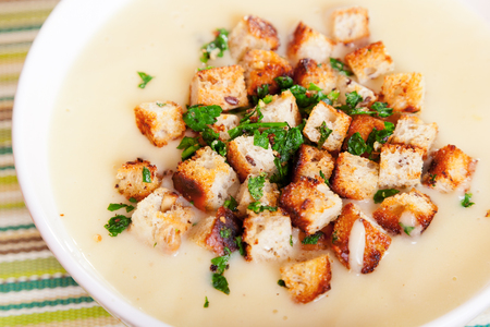 croutons: Chestnut cream soup with croutons
