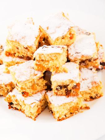 baking powder: Homemade cake, made of floor, eggs, orange zest, sugar and baking powder