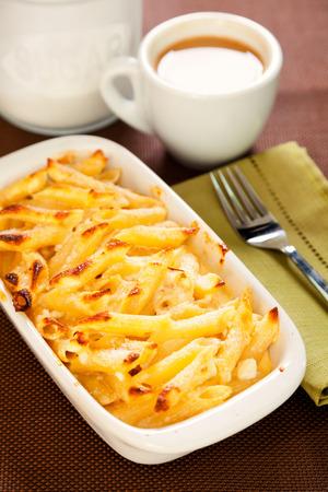 macarrones: Baked Macaroni and cheese