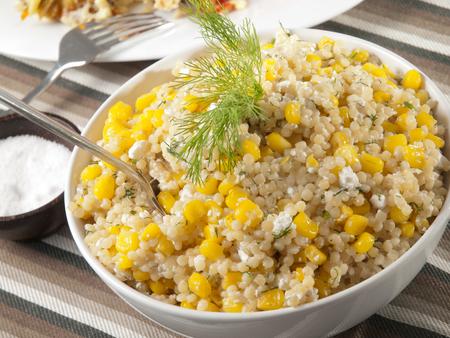Quinoa mit Feldsalat Lizenzfreie Bilder