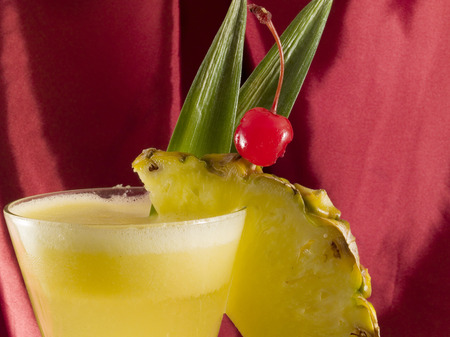 oz: Ingredients: 2 oz rum 3-4 oz crushed pineapple Crushed Ice  Everything is blended togather