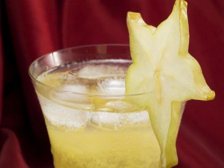 tripple: Ingredients: 1 oz lime juice 1oz orange juice (optional) 1.5 oz tripple sec 2 oz golden rum 12 carambola fruit (blended)