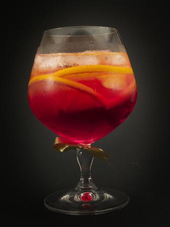 oz: Ingredients: 2 oz gin 1 oz sweet Italian vermouth 1 oz Campari orange slices