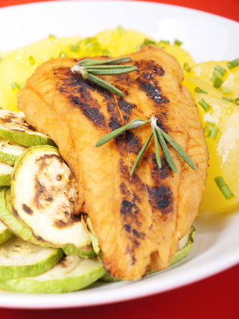 whitefish: Baked whitefish with orange juice and boiled potatos as side dish, one portion ready-to-eat