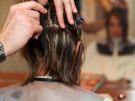 haircutting: Cutting hair at the hair salon